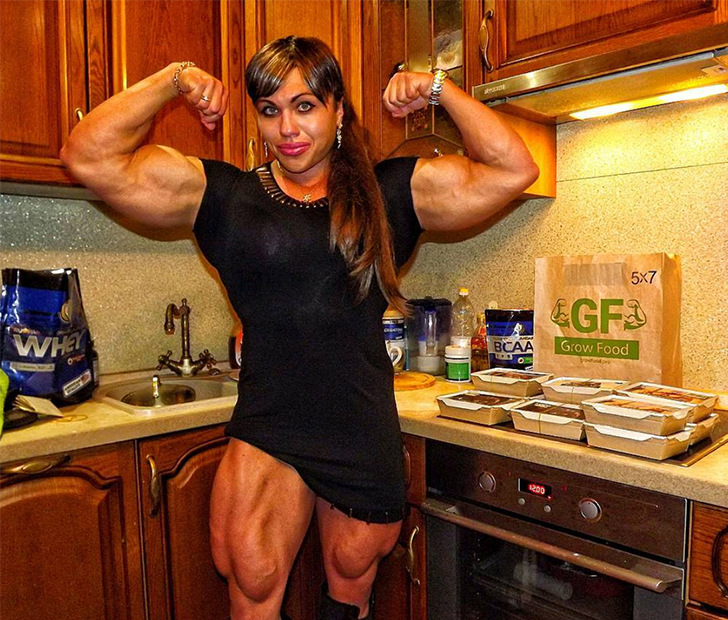 You'll Never Believe What This Jacked Female Bodybuilder